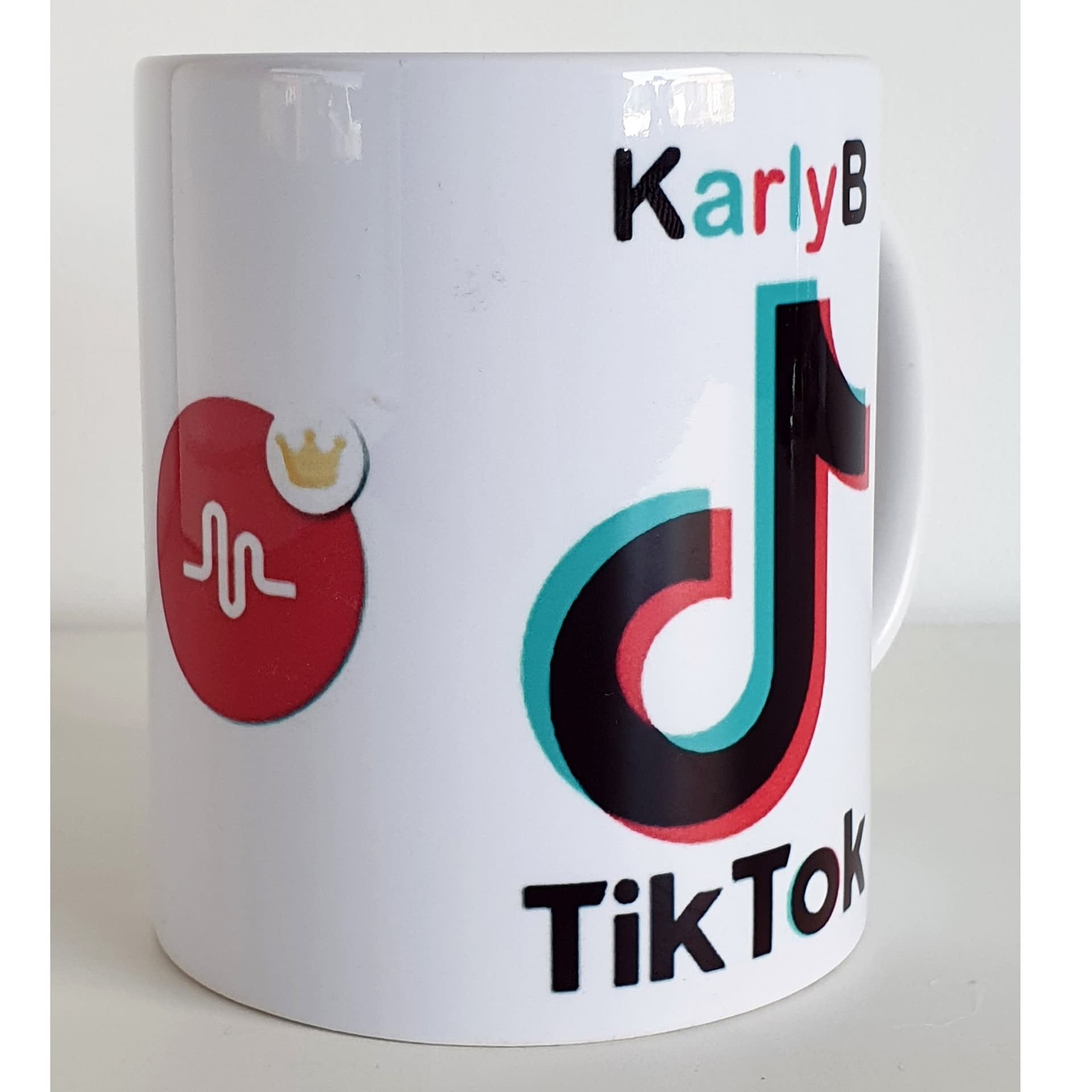 A Gift Guide For The TikTok Obsessed Teen - StayHipp   Tiktok Gifts Worth